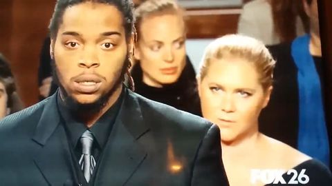Amy Schumer sits in the Judge Judy audience