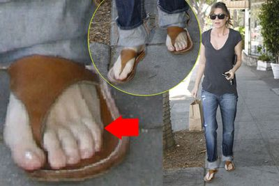 This photo sparked rumours that <i>Grey's Anatomy</i> star Ellen Pompeo has six toes. She later denied it, joking that she actually has seven toes! Of course the truth is she just has five.