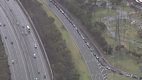 Long traffic queues out of Sydney and Melbourne