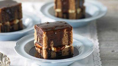Milk chocolate mud cake with hot fudge sauce