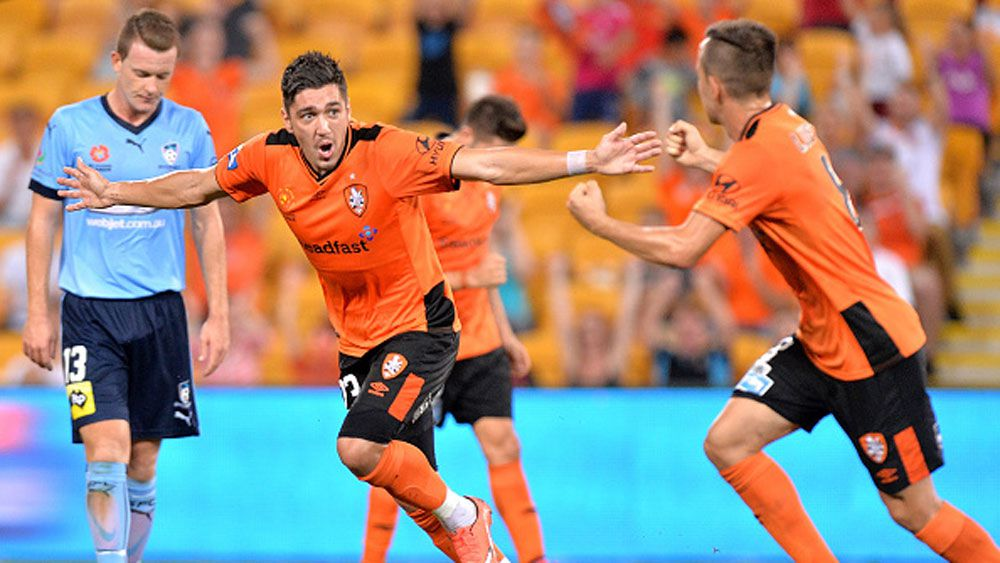 Heartbreak for Sydney as Roar strike late