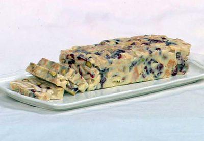 White chocolate, cranberry and pistachio hedgehog slice
