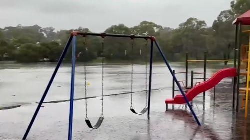 Perth wild weather thunderstorm warning