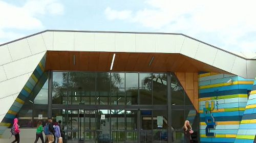 Visitors to the Noble Park Aquatic Centre between May 8 and May 11 are being warned to watch out for the signs of measles. (9NEWS)