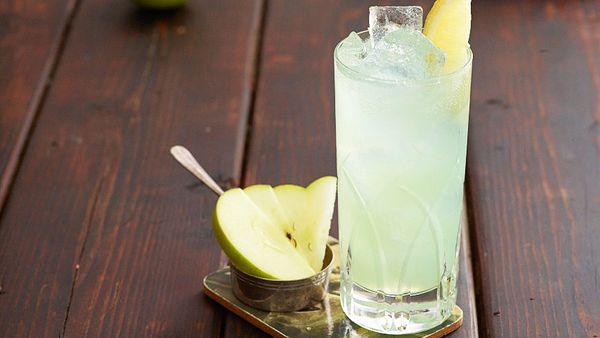 Applesinth cocktail