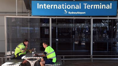 Airport workers to undergo explosive tests