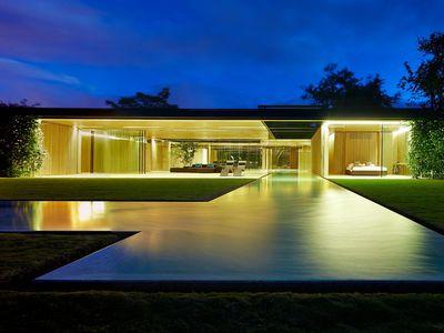 <strong>SANTA ANA, COSTA RICA: US $2,180,000 LX Costa Rica<br /> </strong>
