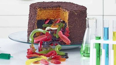 "Recipe:&nbsp;<a href=""http://kitchen.nine.com.au/2016/11/04/07/35/anna-polyvious-trickle-treat-white-choc-mud-cake"" target=""_top"">Anna Polyviou's trickle treat white choc mud cake</a>"