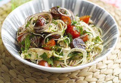 "Recipe: <a href=""http://kitchen.nine.com.au/2016/05/05/14/51/a-warm-chicken-chorizo-and-fennel-salad"" target=""_top"">A warm chicken, chorizo and fennel salad</a>"