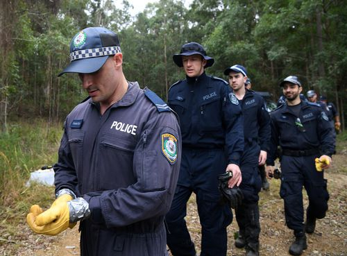 Detectives of police have trucked in for the search in Kendall. Picture: AAP