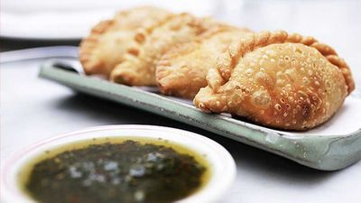 "Argentinean empanadas de carne - <a href=""http://kitchen.nine.com.au/2016/05/05/14/56/argentinean-empanadas-de-carne"" target=""_top"">view recipe</a>"