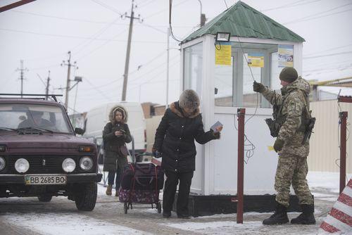The checkpoint between Milove in Ukraine and Chertkovo, a village split in half.