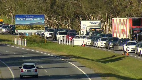 Coolangatta traffic Queensland border