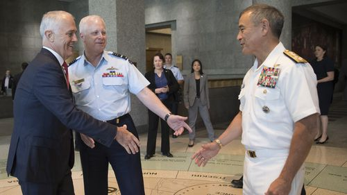 Admiral Harry Harris Jr meets Prime Minister Malcolm Turnbull. (AA