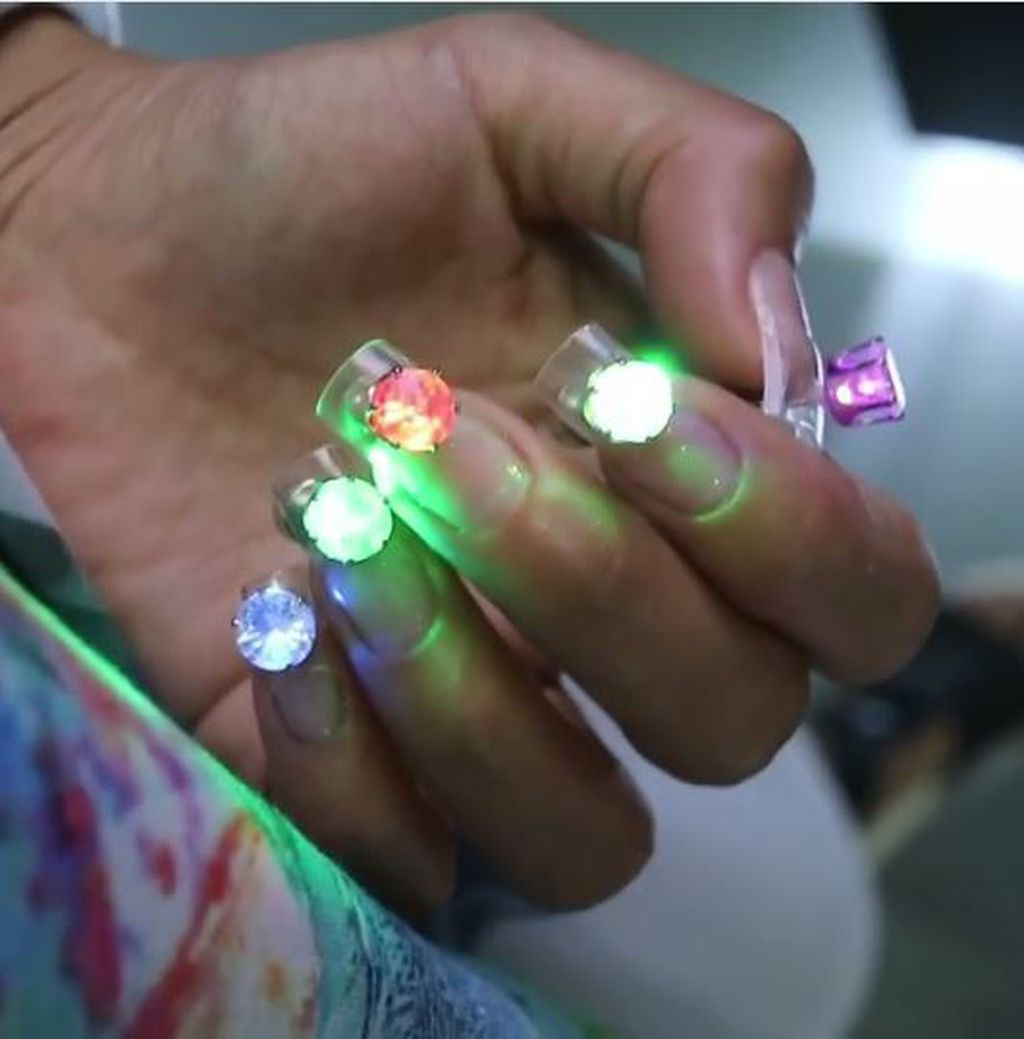 Light up your hands with LED nail art | 9Style