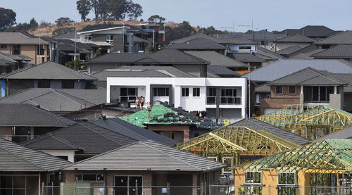 Experts say potential bidders should do their research. (AAP)