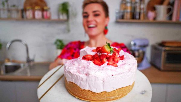 Jane de Graaff whips up a strawberry cloud cake perfect for the strawberry overload right now