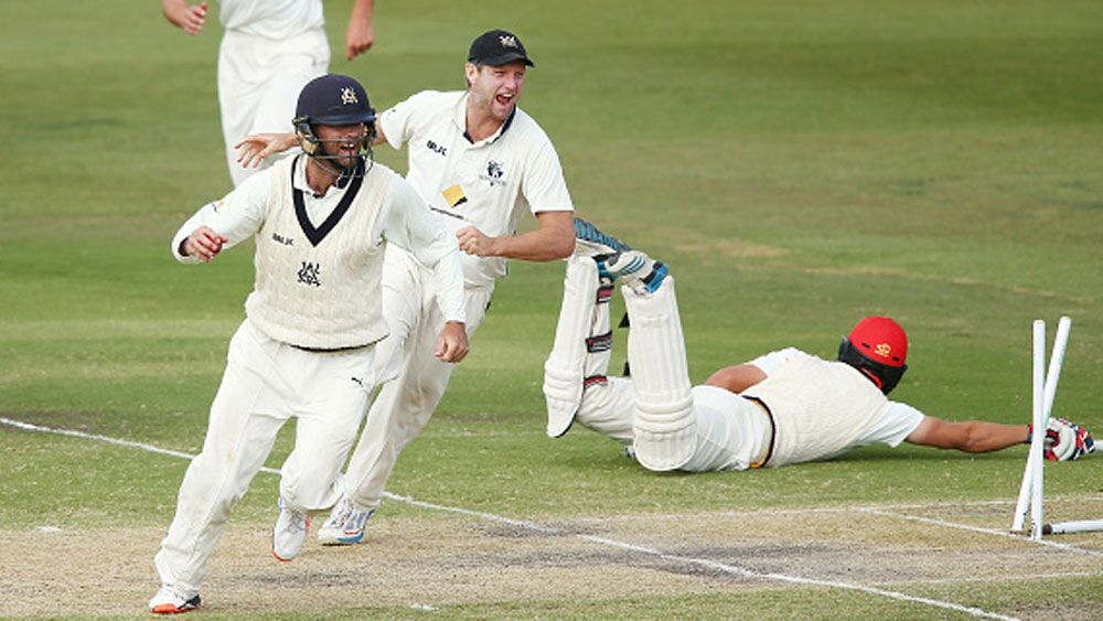 Cameron White and Bob Quiney appeal for a run out. (Getty)