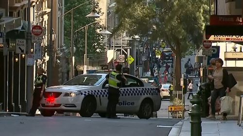 The bomb scare shut down several streets in the Melbourne CBD.