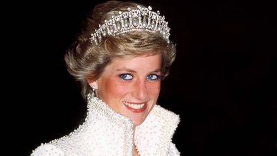 Princess Diana wears her favourite tiara, 1989