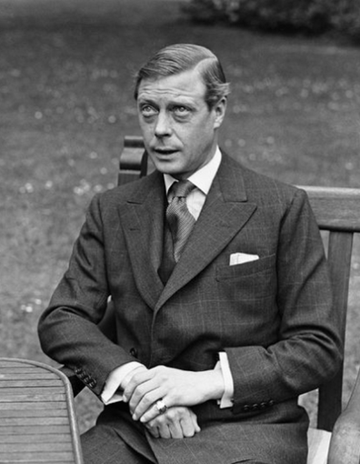 Graftieaux claims his father was born after his grandmother's affair with Edward VIII.