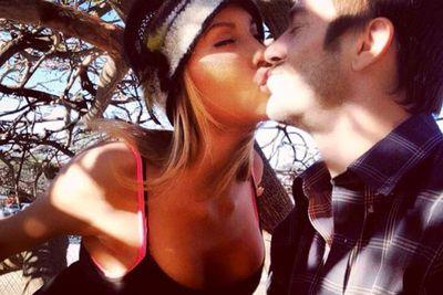 @chloelattanzi: Xmas kisses