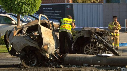 Major Collision Investigation Unit detectives continued their investigations throughout the morning (9NEWS)