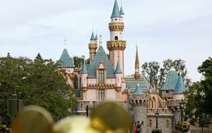 Disney delays reopening California theme parks