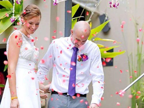 Newcastle newlyweds Kane Toby and Louise Whyman. (Facebook)