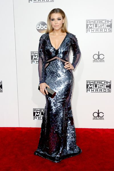 <p>Classic hit</p> <p>Normally we'd be 'meh' about this but Rachel Platten is charting with this Pamella Roland&nbsp;dress,&nbsp;Kavant&nbsp;and&nbsp;Sharart&nbsp;jewelry,&nbsp;Giuseppe Zanotti&nbsp;shoes and Lee Savage&nbsp;clutch.</p> <p>&nbsp;</p>