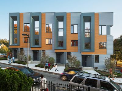 Roxbury E+ townhouses by Interface Studio Architects