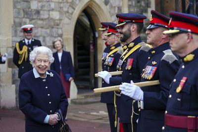 Queen Elizabeth returns to Balmoral Castle, October
