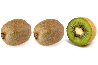2.5 kiwis are 100 calories