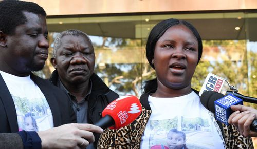 Mary Kpaba has been recommended for a bravery award for pulling her daughter from a burning home. Image: AAP