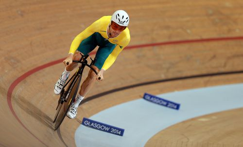 Bobridge winning Gold in the Men's 4000m Individual Pursuit.