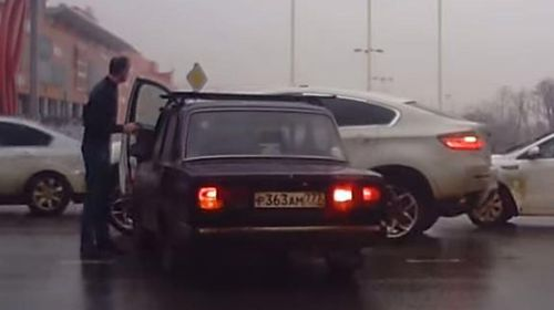 Russian road rager left red faced after forgetting hand brake (Gallery)