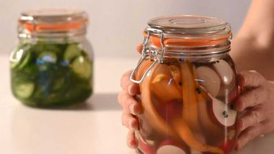 "<a href=""http://kitchen.nine.com.au/2018/06/14/16/03/how-to-make-easy-basic-pickles"" target=""_top"">How to make easy, basic pickles</a>"