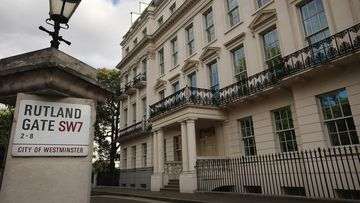 A billionaire property tycoon has been given the green light to create an eight-storey palace overlooking Hyde Park.