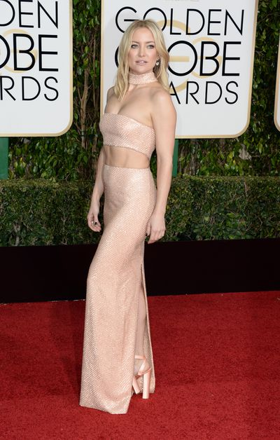 Kate Hudson arrives at 73rd Annual Golden Globe Awards event on January 10, 2016 in Los Angeles, California.