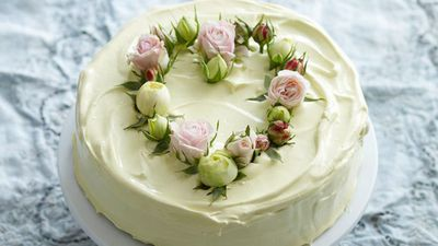 "<a href=""http://kitchen.nine.com.au/2016/05/16/11/03/lemon-coconut-cake"" target=""_top"">Lemon coconut cake</a>"