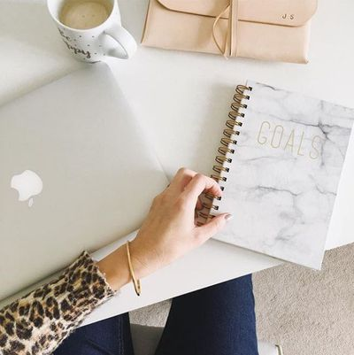 """<p>Mummy of twins and lifestyle blogger Jess Soothill, showcases her effortlessly stylish work space and home life on <a href=""""http://mummyofboygirltwins.com/"""" target=""""_blank"""">mummyofboygirltwins</a></p> <div></div>"""