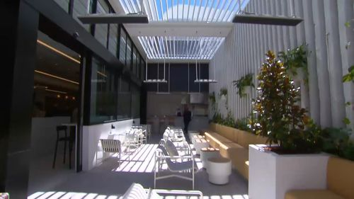 Special light systems have been set up in the lounge to assist with jetlag. (9NEWS)