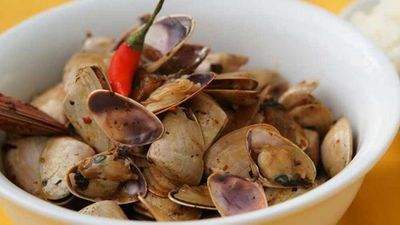 "Recipe:&nbsp;<a href=""http://kitchen.nine.com.au/2016/06/22/17/39/pipis-in-black-bean-sauce"" target=""_top"">Pipis in black bean sauce</a>"