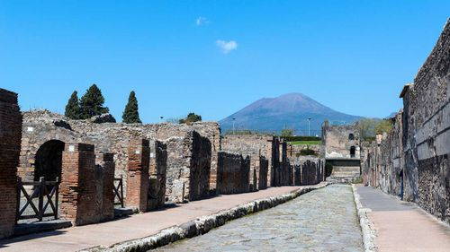 There are unexploded bombs around Pompeii.