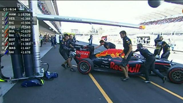 Hamilton takes pole in Mexico