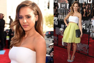 Jessica Alba bares her toned midriff. What a babe!