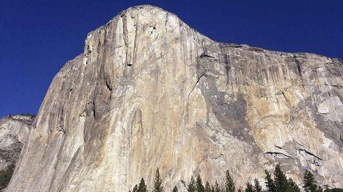 One dead after Yosemite rock fall