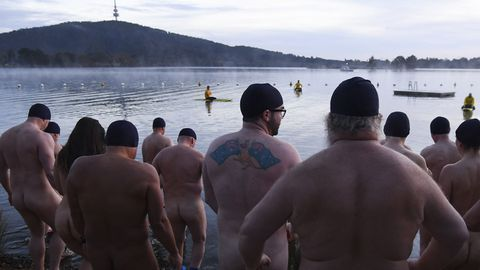 Nude Canberrans take to Lake Burley Griffin. (AAP)