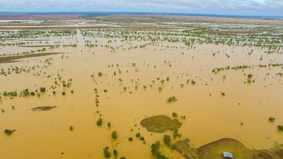 <p>Most major roads in the Winton Shire have been closed, after the Western River flooded. </p><p>The highway was closed, except to 4WD and high clearance vehicles.</p><p>(Supplied / Nick McGrath, Winton Shire Council)</p>