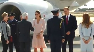 Prince William Kate Middleton greeted by RAAF in Australia